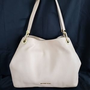 Michael Kors Raven Pebbled Leather in Oyster